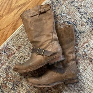 Tan short Steve Madden Freebird boots